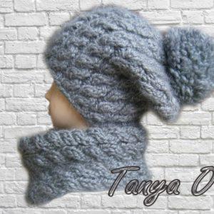 Серая шапка и шарф